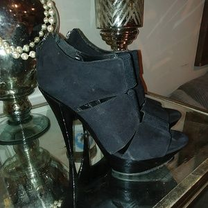 Jessica Simpson heels size 8.5 black only used onc